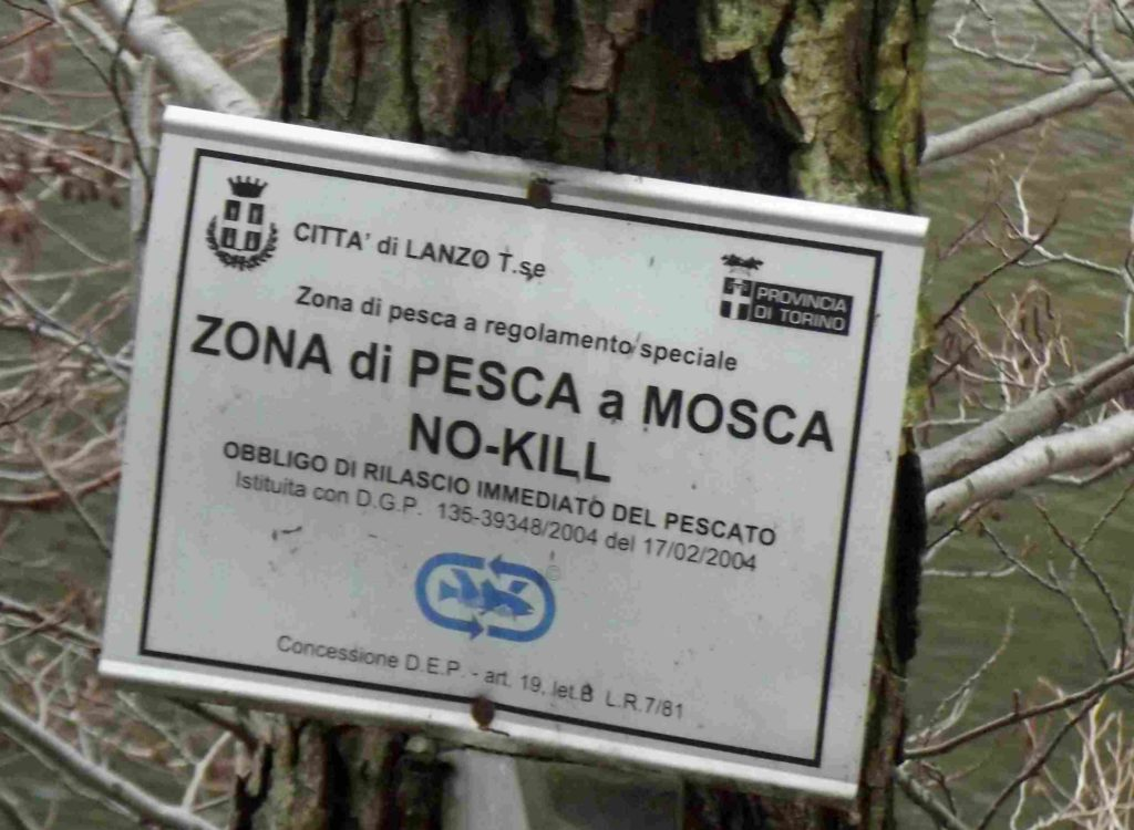 A Catch and Release Only sign in Italy, picture by F Ceragioli